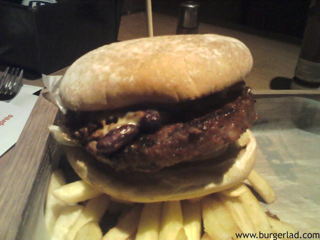 Apres Chilli & Cheese Burger