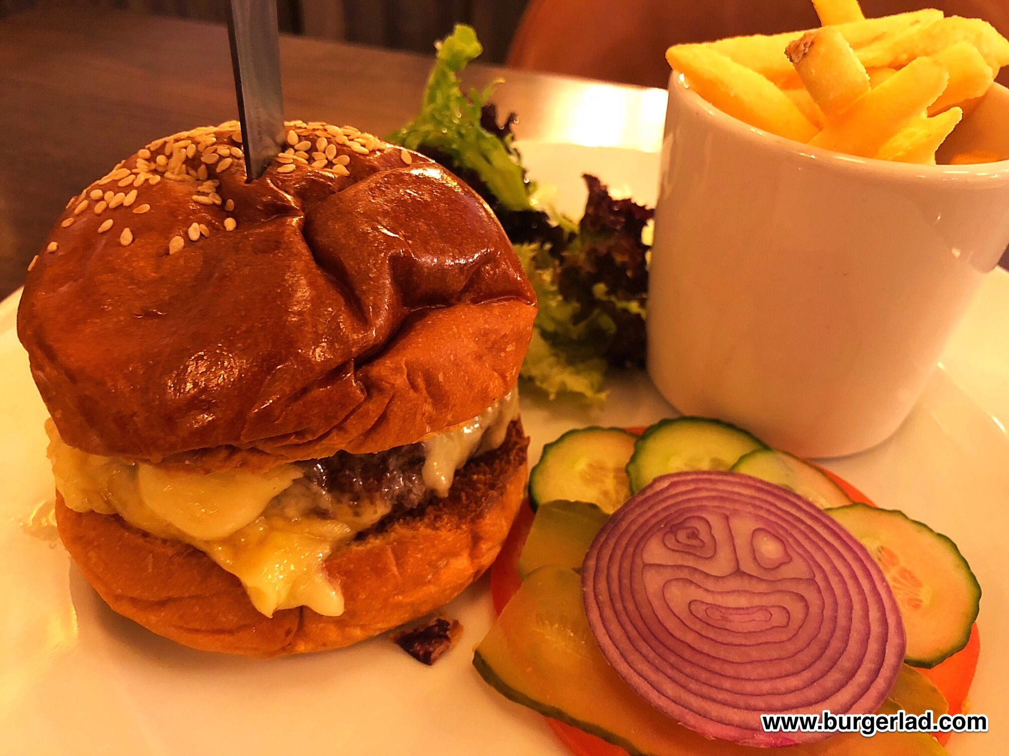 Randall & Aubin Prime Beef Burger